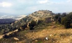 صلاة العيد فوق جبل العرمة المهدد بالمصادرة