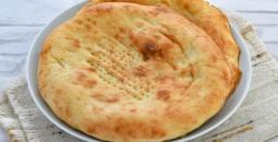 خبز التميس بالجبن.jpg