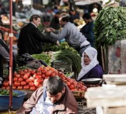 أسواق جنين قبل ساعات من منع التجول