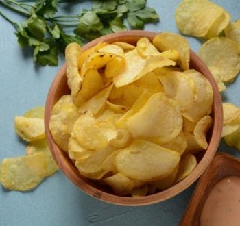 رقائق البطاطس.jpg