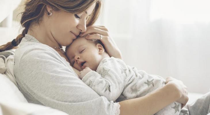 الأم والطفل.jpg