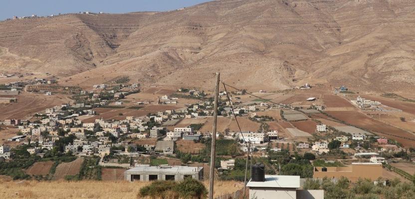 قريتا النصارية والعقربانية في الاغوار الوسطى شمال شرق نابلس