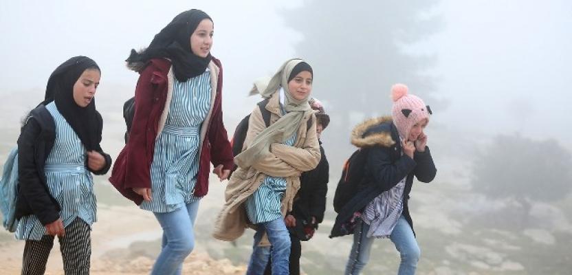 حياة قاسية يعيشها سكان خربة سوسيا المهددة بالهدم