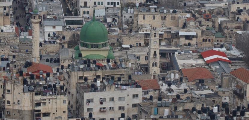 هكذا تبدو مساجد نابلس من أعلى نقطة في جبل جرزيم