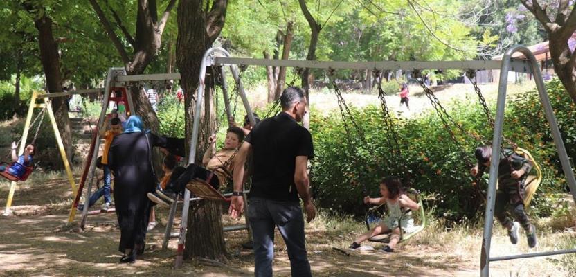 متنزهات نابلس تدب فيها الحياة بعد انقطاع 70 يوما